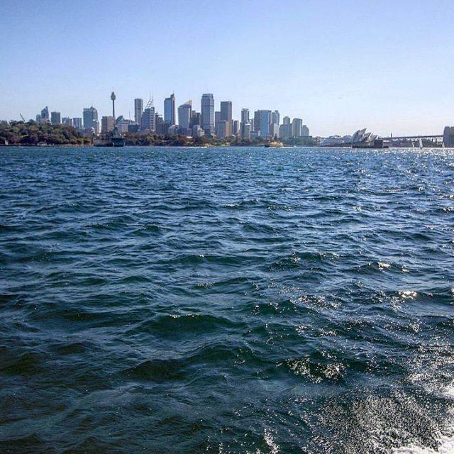 CA 17919 km separen la Garriga i Sydney Una ciutathellip
