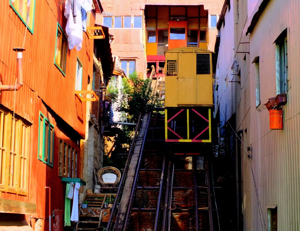 Ascensor_Mariposa_Valparaiso CC BY-SA 3.0 Yanquele Arévalo