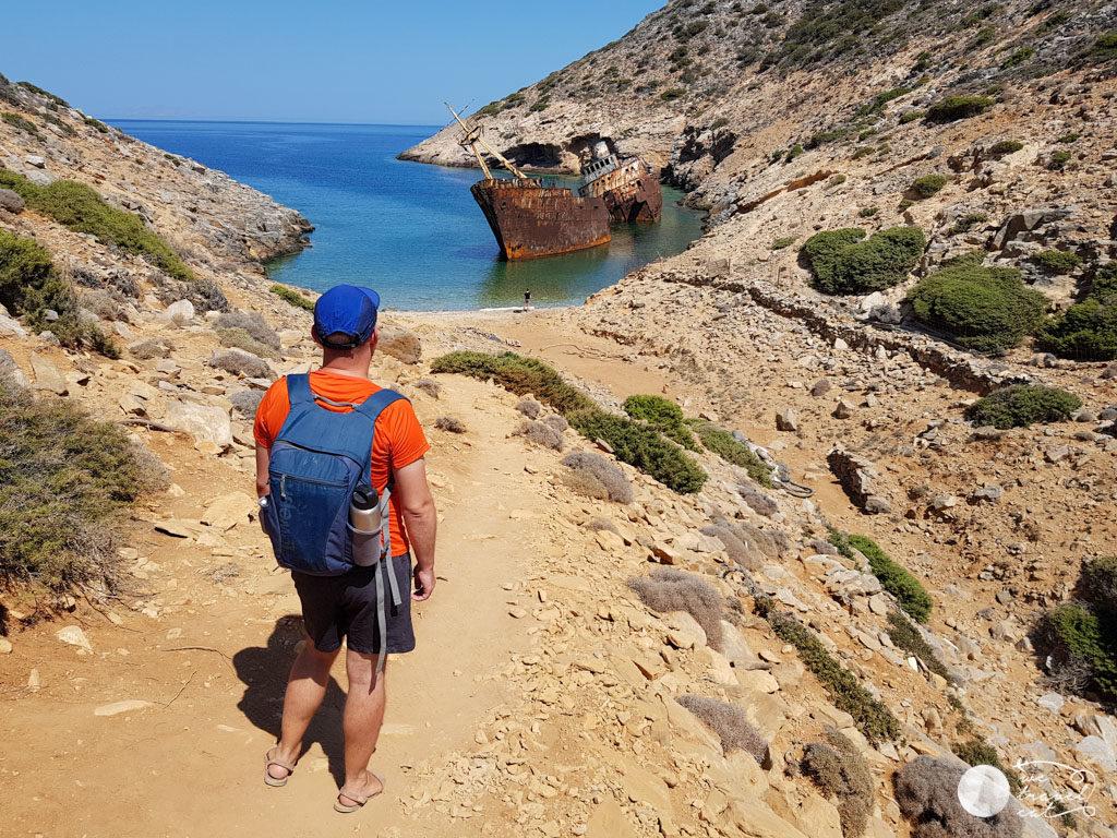 La platja del vaixell abandonat d'Amorgos - wetravelcat