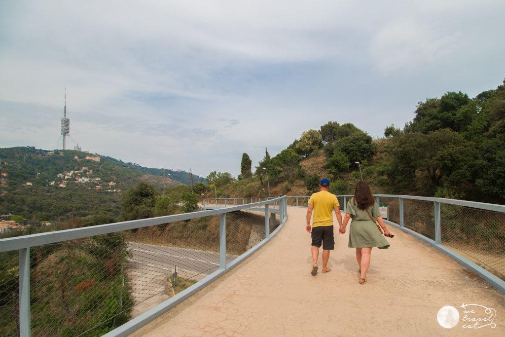 En Carles i la Cris del blog de viatges en català wetravelcat a la carretera de les Aigües - wetravelcat