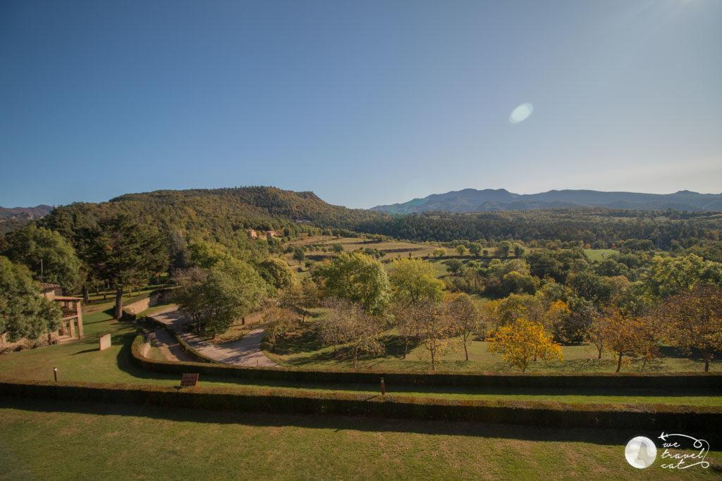 El parc del castell de Montesquiu, excursions de tardor per Osona - wetravel.cat