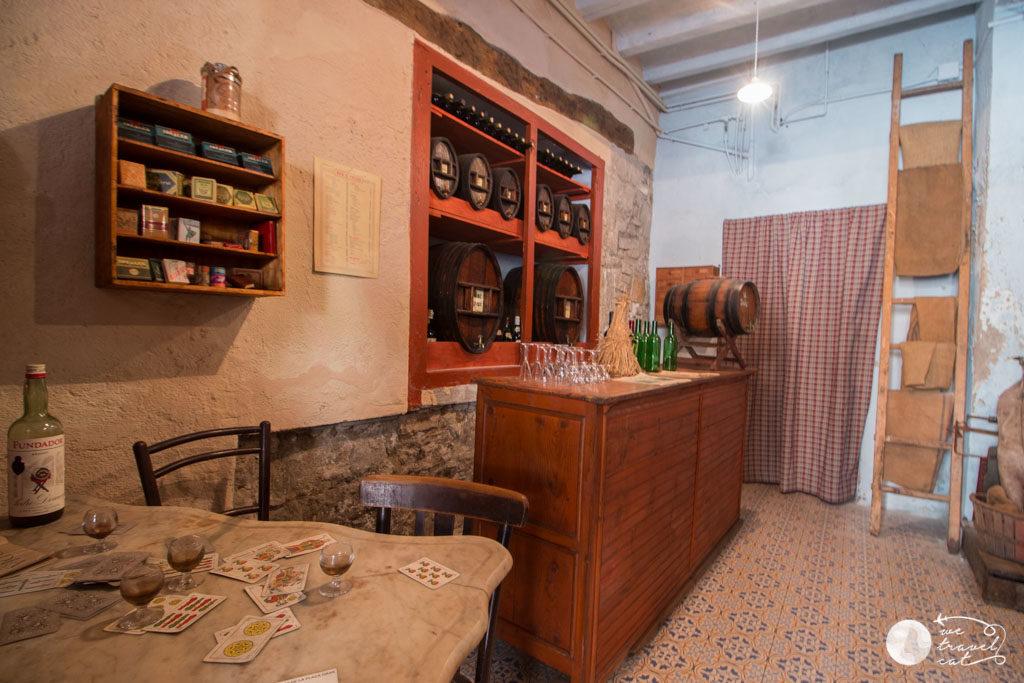 La bodega de les botigues antigues de Calaf - wetravel.cat