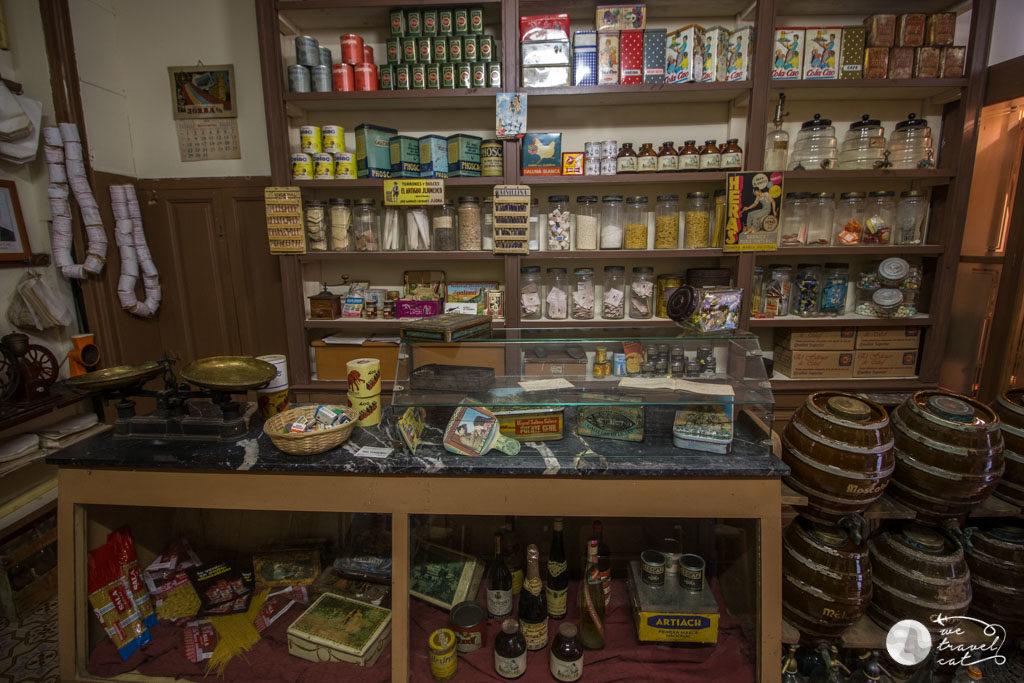 Ultramarinos Cal Feu, una de les botigues antigues de Calaf - wetravel.cat